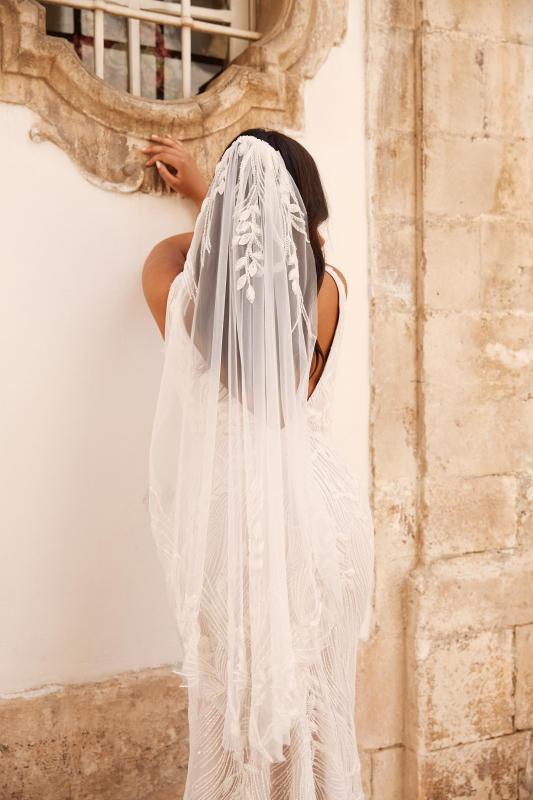 Madrid Veil V185 Paired With Madrid Ml13185 Wedding Dress Madi Lane Bridal1