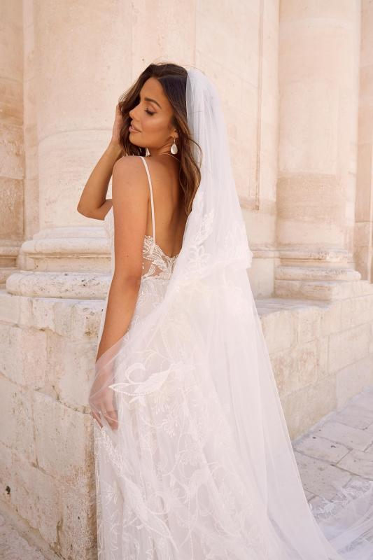 Maiya Veil V155 Paired With Maiya Ml10155 Wedding Dress Madi Lane Bridal1