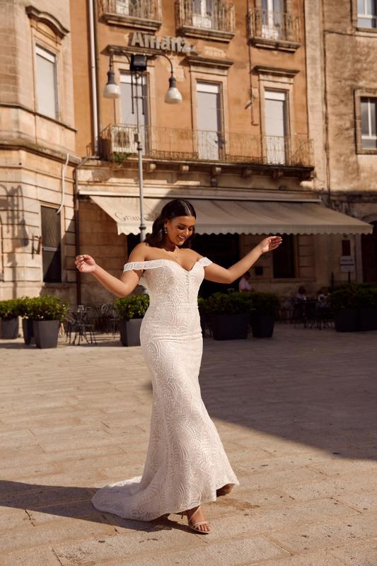 Morocco Ml13639 Sweet Heart Neck With Off The Shoulder Detachable Straps Full Length Embellished Lace Wedding Dress Madi Lane Bridal4