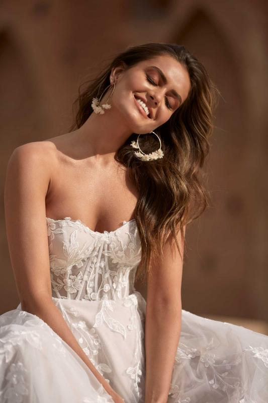 Adalyn Ml17366 Strapless Sweetheart Neckline Full Length Lace And Tulle Gown With Illusion Bodice And Zip Closure Wedding Dress Madi Lane Bridal5