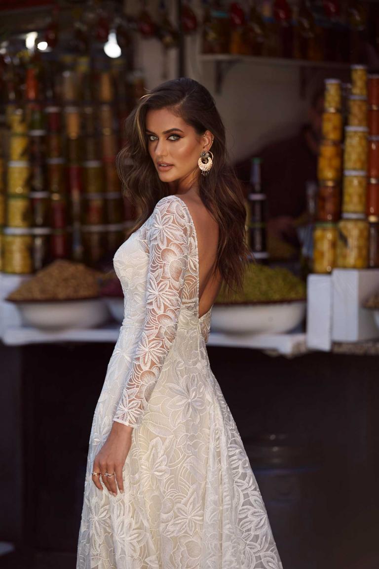 AMIRA | Madi Lane Bridal