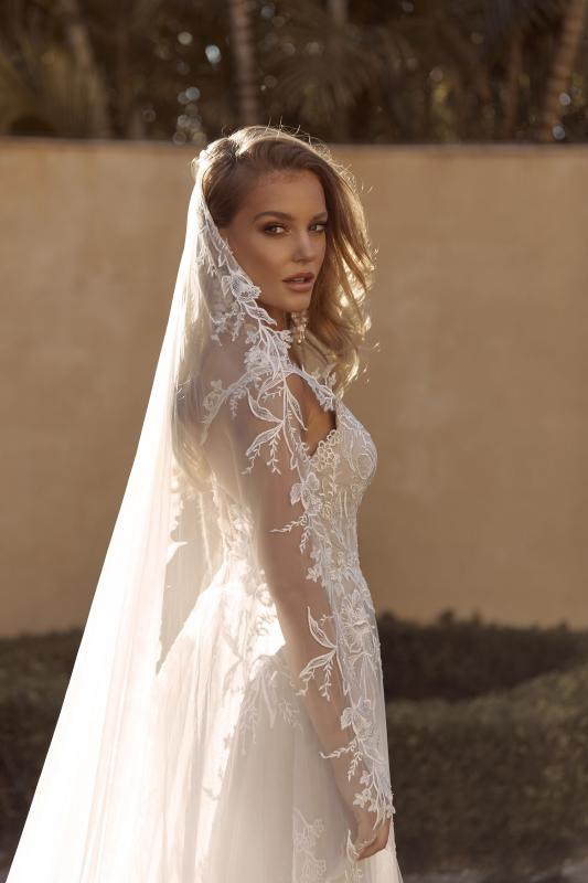 Birdie Veil V935 Matching Cathedral Length Veil With Floral Lace Paired With Gown Ml19535 Veil Madi Lane Bridal2