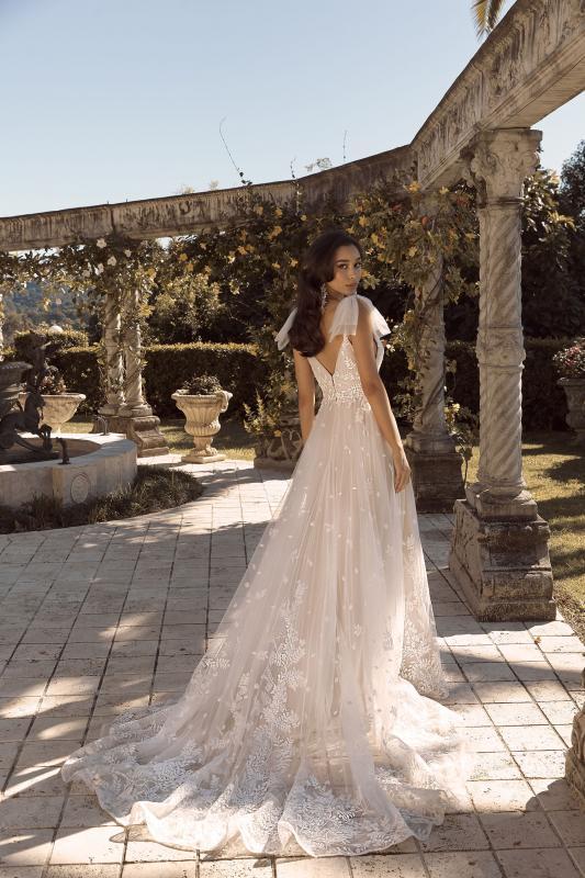 Bonnie Ml19101gt Full Length A Line Silhouette V Neckline Bodice And Detachable Bows Included Wedding Dress Madi Lane Bridal3